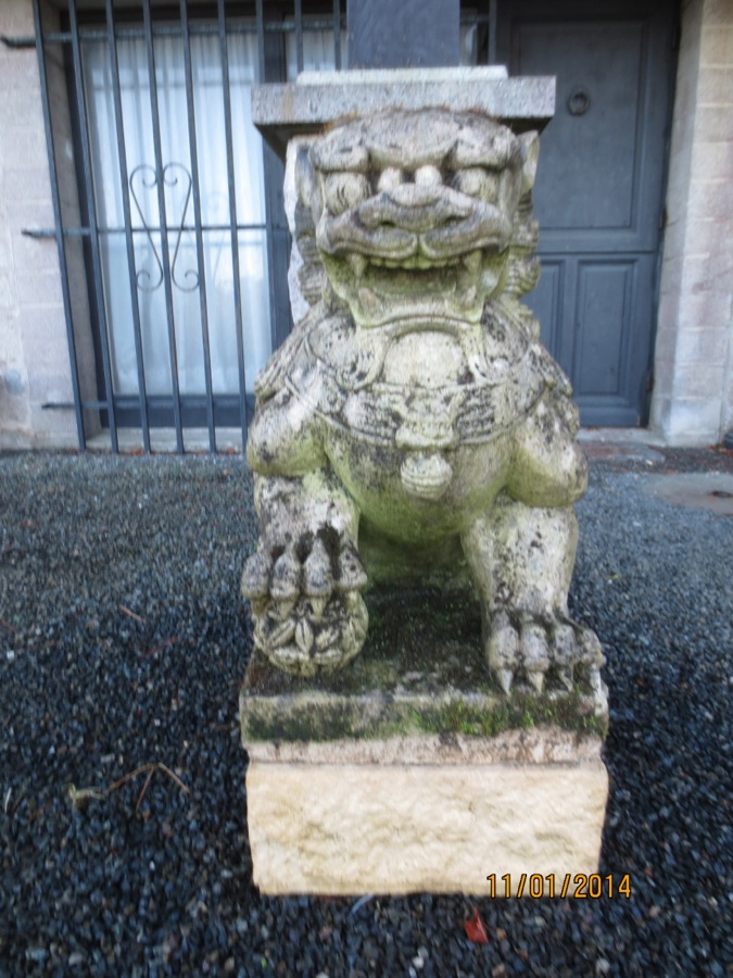 lion-sculpture-pierre-meubles-brest